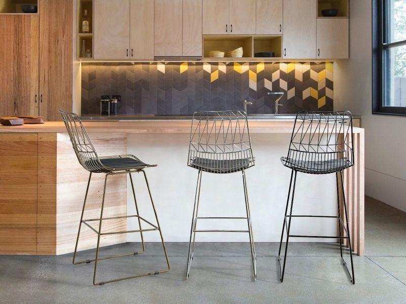 Chaise de bar argentée preston 154345